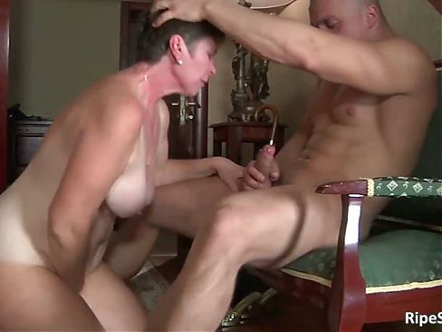 Chubby mature slut gets fucked by stiff part5