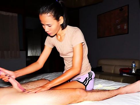 Tiny amateur teen massage with happy end